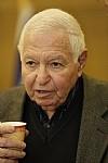 תמונת פרופיל של השופט מיכה לינדנשטראוס, יושב ראש העמותה